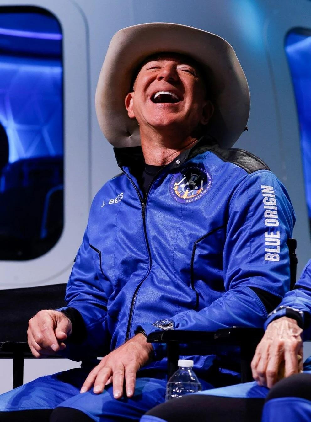 Jeff Bezos'tan Elon Musk ile sözleşme yapan NASA'ya 2 milyar dolarlık teklif