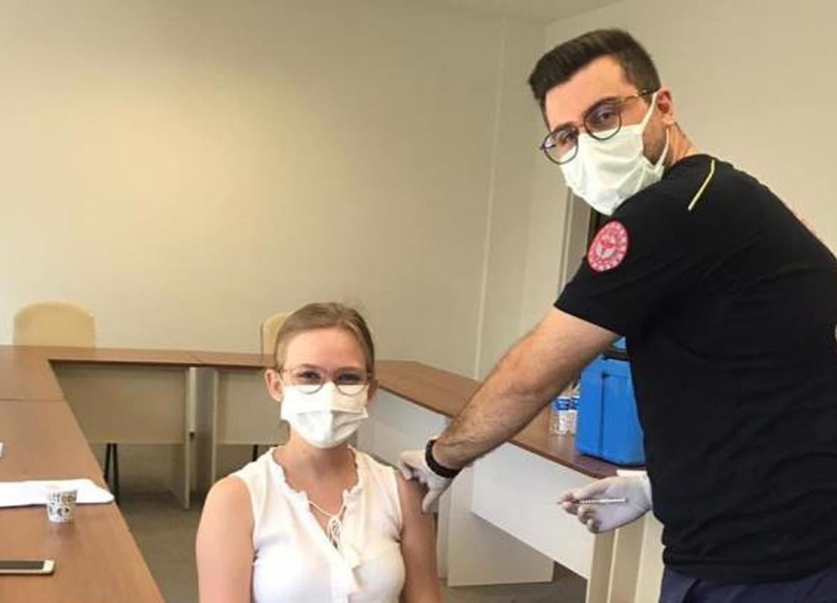Bakan Fahrettin Koca'dan aşı paylaşımı