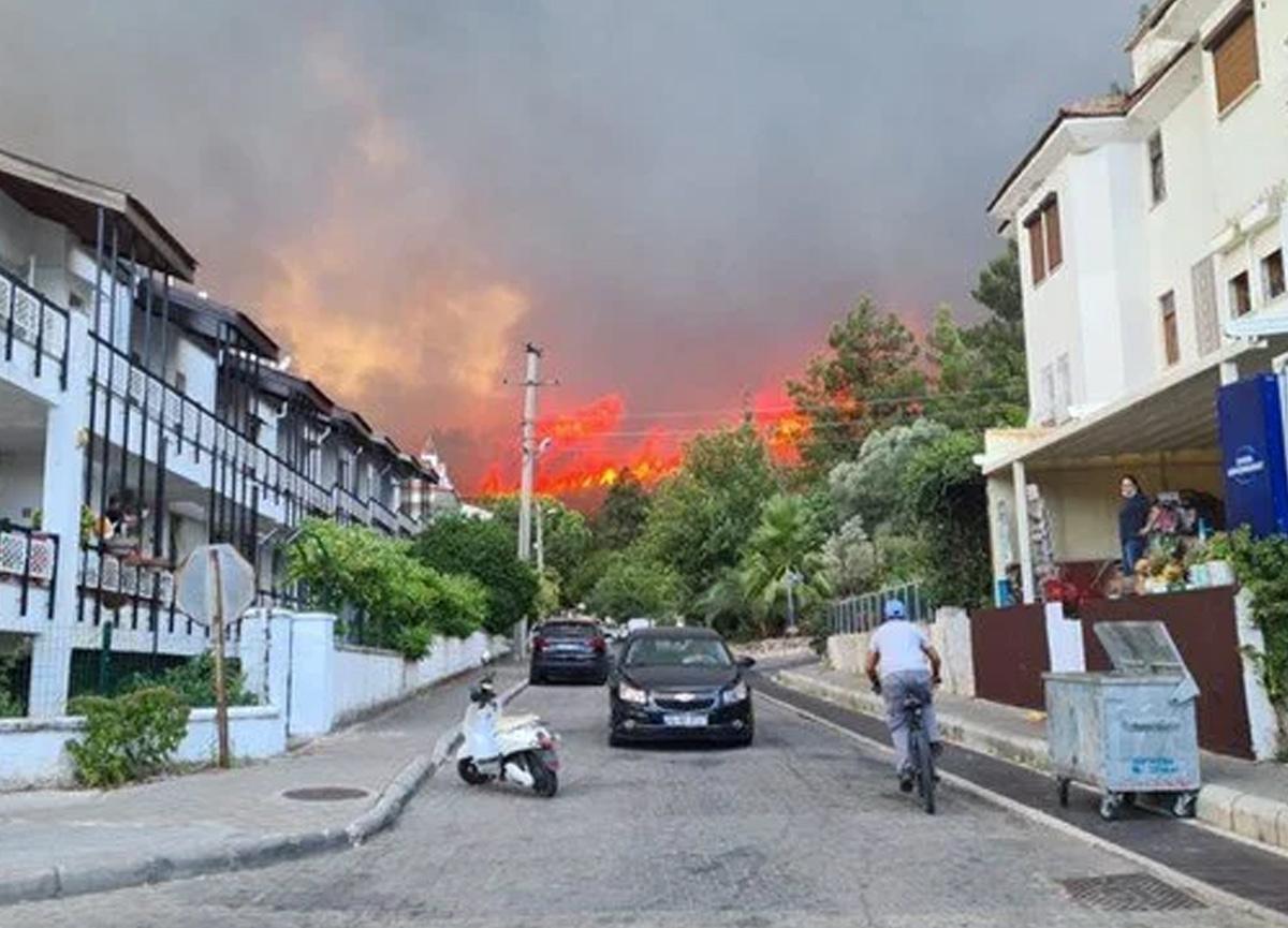 Manavgat, Adana ve Mersin'den sonra bir yangın da Marmaris'te: Müdahale sürüyor