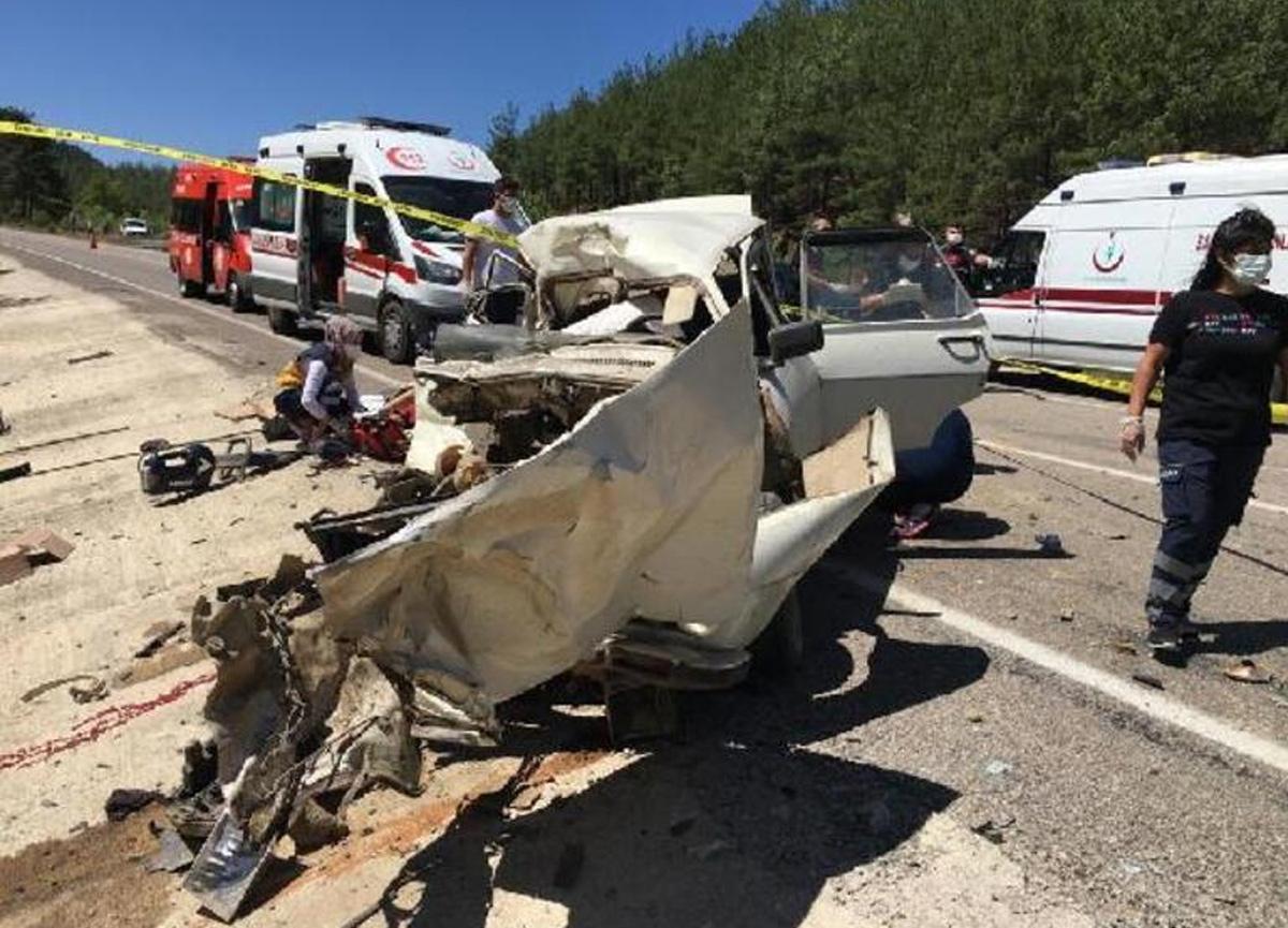 Adana'da feci kaza! 5 kişi hayatını kaybetti...