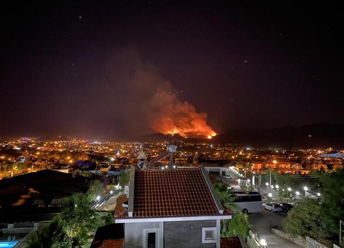 Muğla'nın Fethiye ilçesinde korkutan yangın! Kontrol altına alındı...