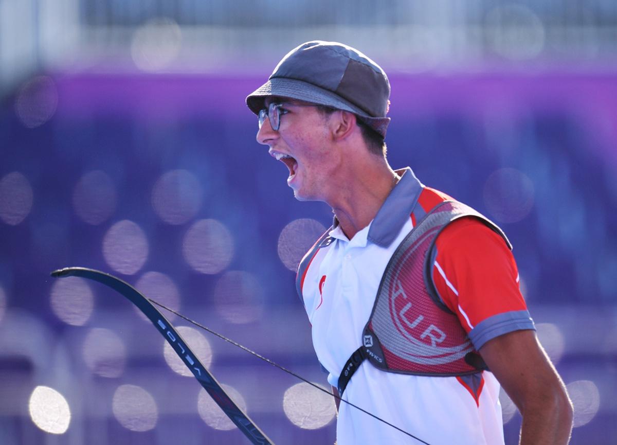 Son dakika: Milli okçumuz Mete Gazoz olimpiyat şampiyonu oldu!