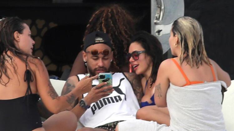 Neymar tatilde görüntülendi! Şaşırtan detay...