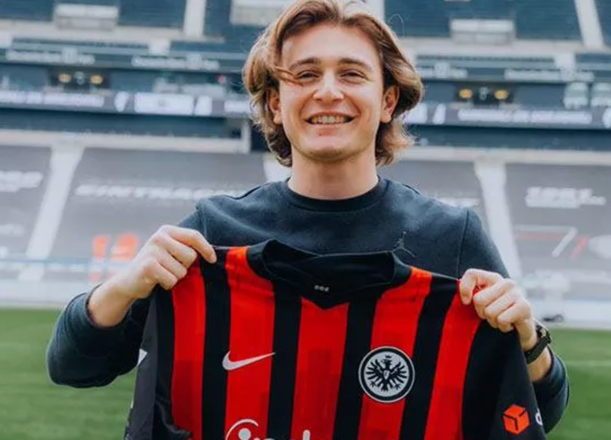Eintracht Frankfurt, Ali Akman'ı NEC Nijmegen'e kiralıyor