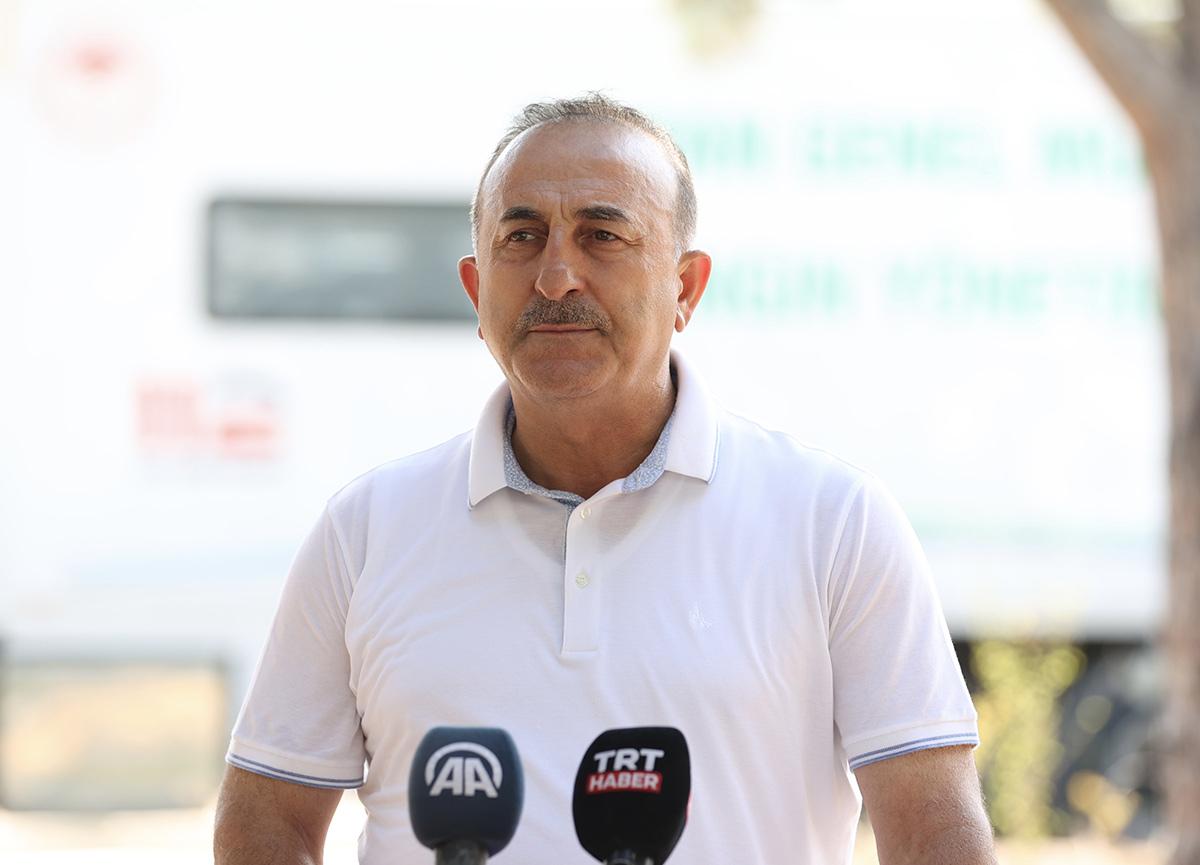 Bakan Çavuşoğlu Manavgat'taki yangınla ilgili son durumu anlattı: Bugün ve yarın kritik