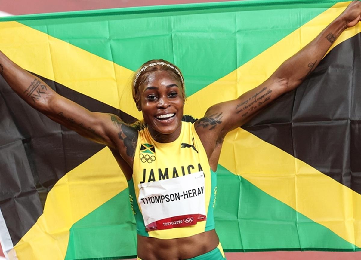 Elaine Thompson-Herah üst üste iki olimpiyatta 100 ve 200 metrede duble yapan ilk sporcu oldu
