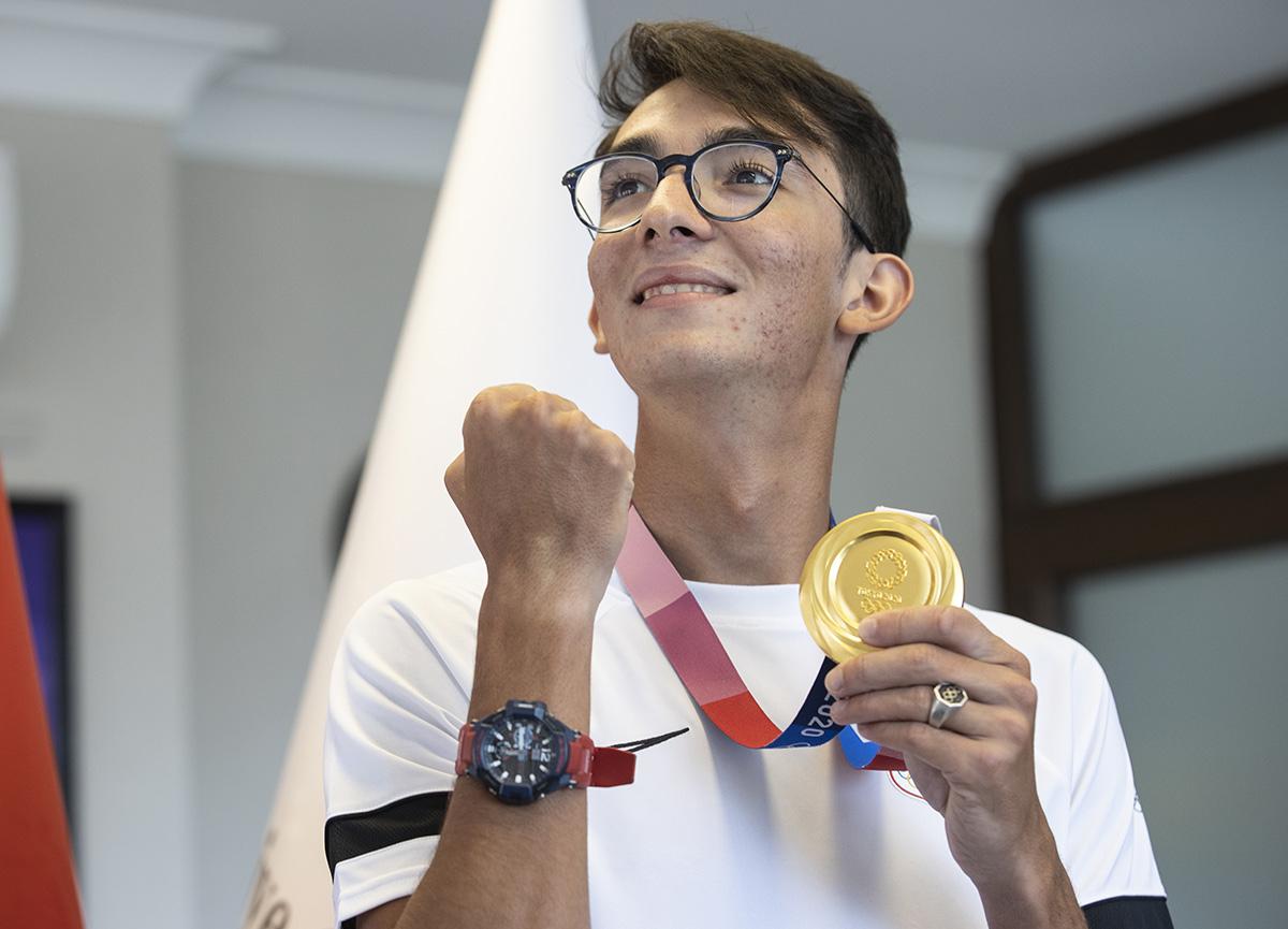 Olimpiyat şampiyonu Mete Gazoz madalyayı kazandığında verdiği selamın sırrını anlattı