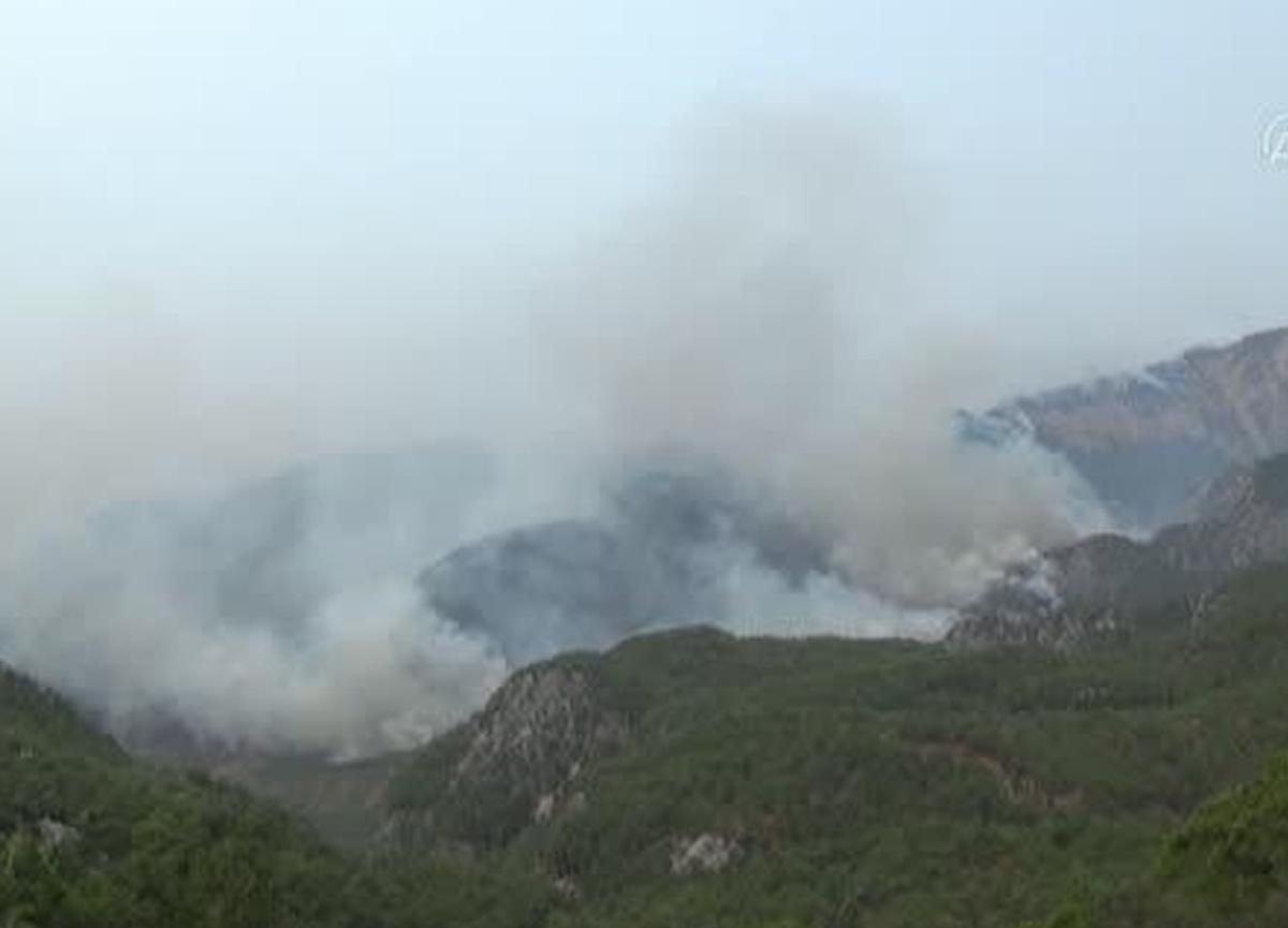 Yangının sürdüğü Köyceğiz'de bir mahalle daha boşaltıldı!