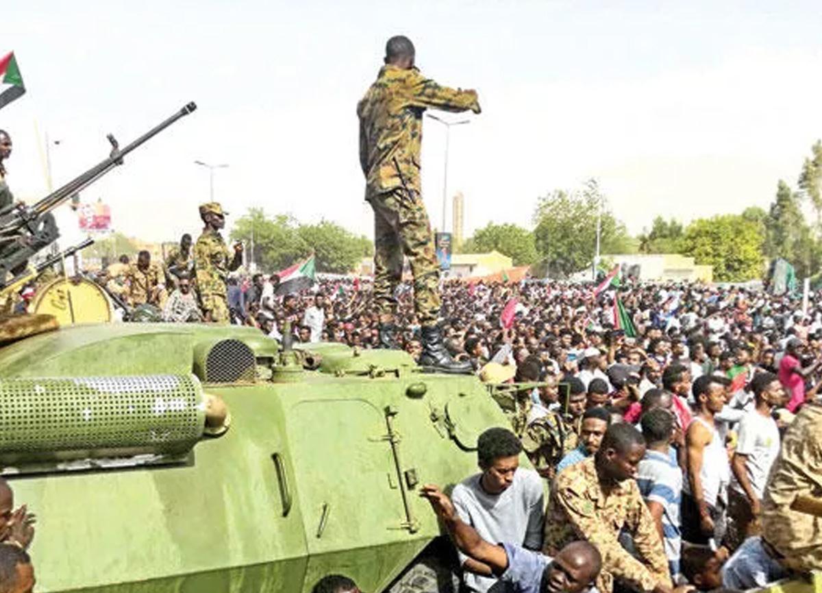 Sudan'da protestocuları öldüren 5 kişiye idam cezası!