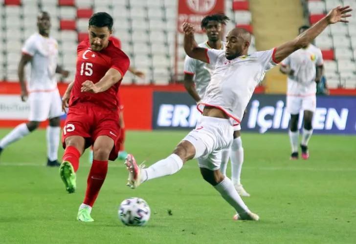 Sevilla'dan Ozan Kabak'a 10 milyon euro'luk teklif