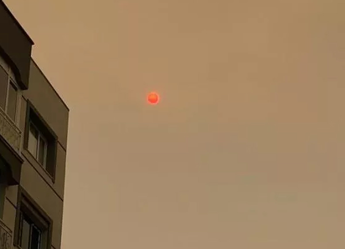 İzmir güne böyle uyandı: Şaşırtan görüntü...