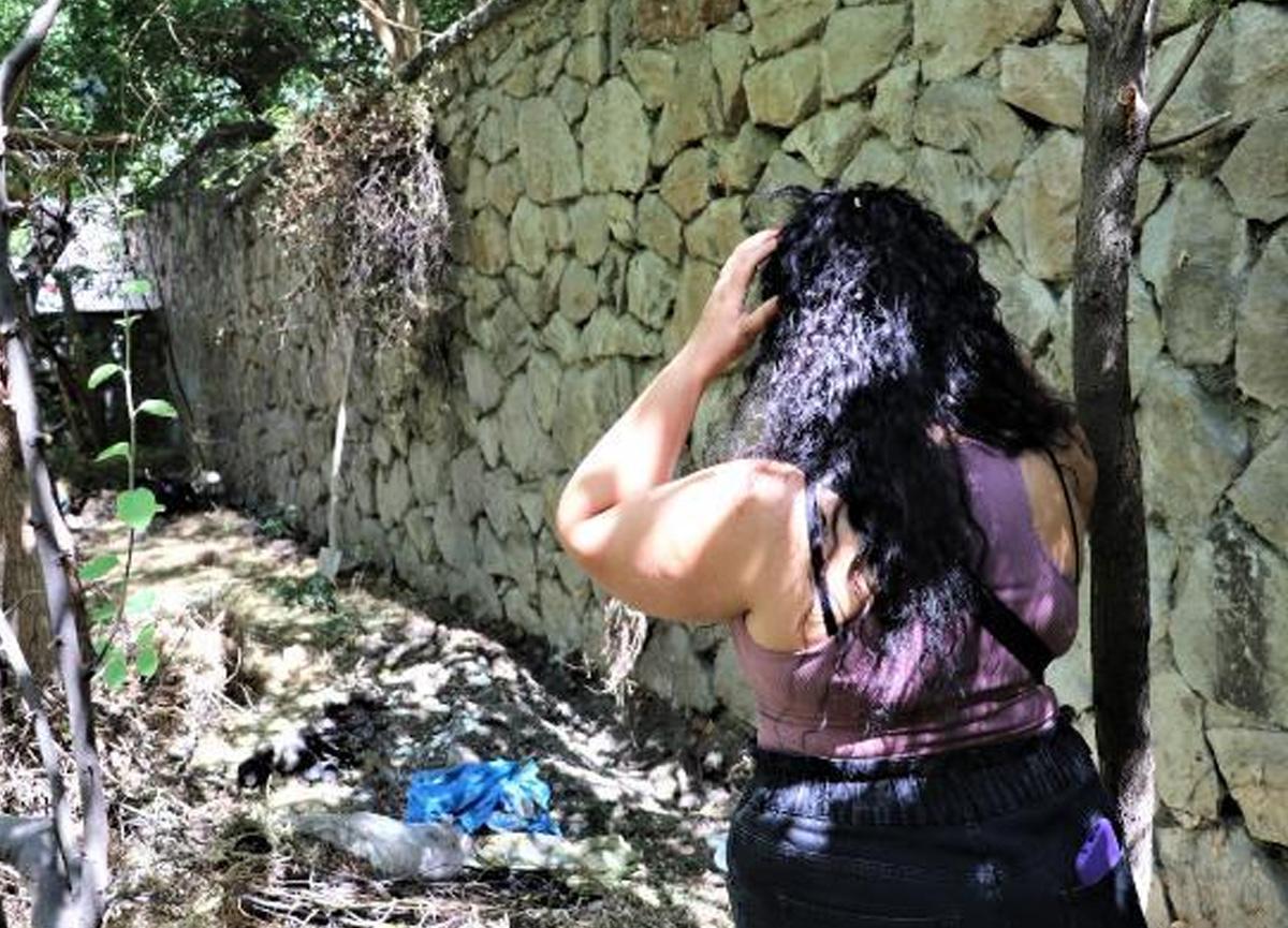 Bahçesinde 10 köpek ölüsü bulunan kadına gözaltı