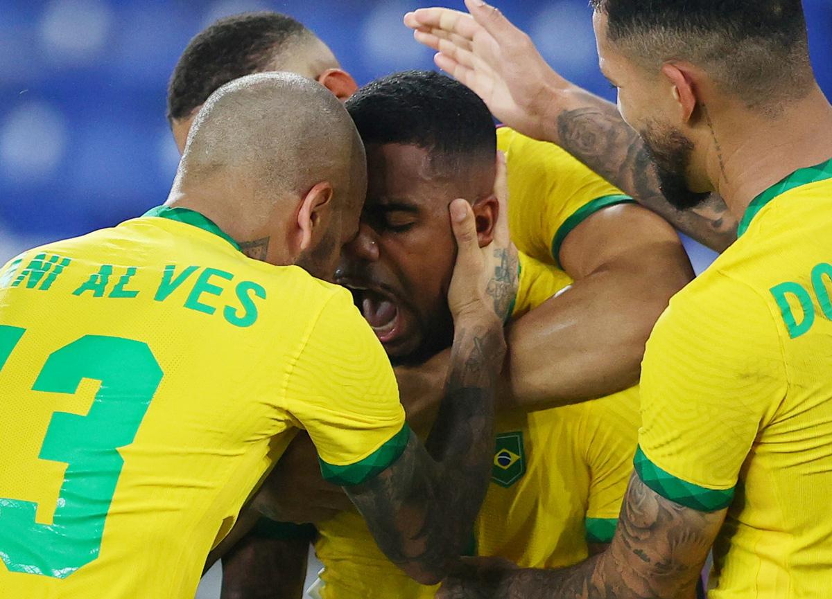 2020 Tokyo Olimpiyatları'nda altın madalya İspanya'yı 2-1 yenen Brezilya'nın
