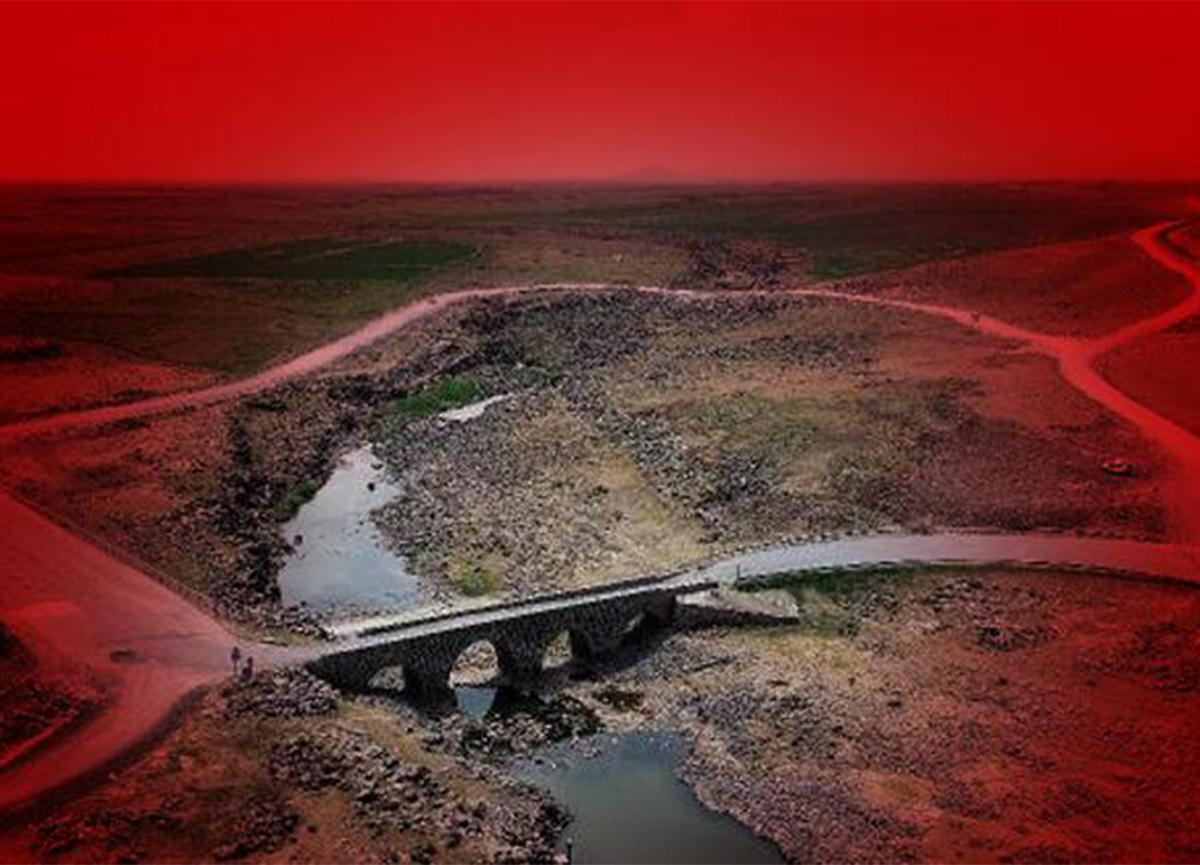Diyarbakır'da tarihi köprü trafiğe kapatıldı, yenisine başlandı!