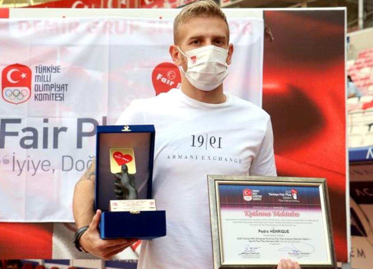 Sivassporlu Pedro Henrique'ye Fair Play ödülü