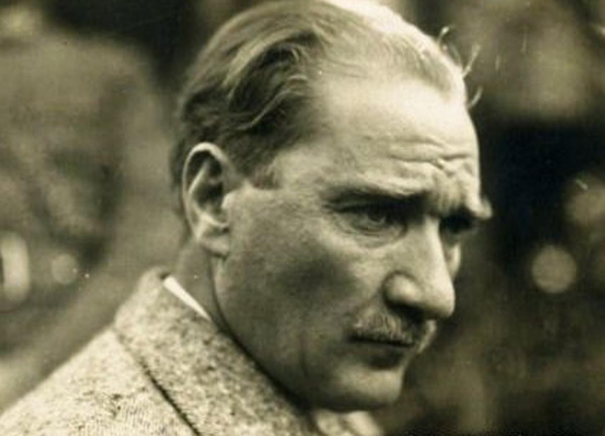 İşte Musfata Kemal Atatürk'ün Time dergisine kapak, büstlere model olan ve pullara konan fotoğrafının hikayesi