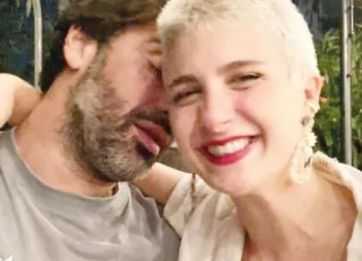 Naz Çağla Irmak ve Sarp Levendoğlu'ndan aşk pozları