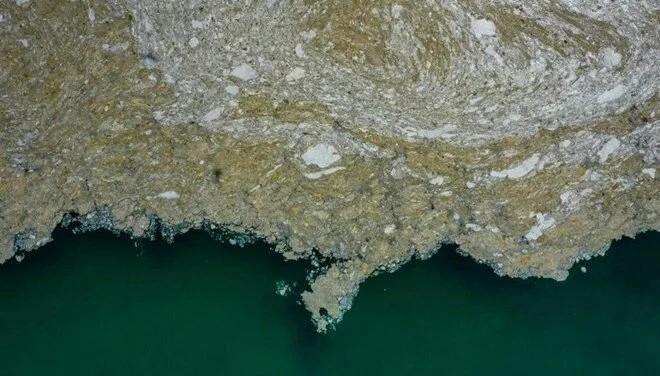 Uzmanlar uyardı: Akdeniz gittikçe kahverengileşiyor