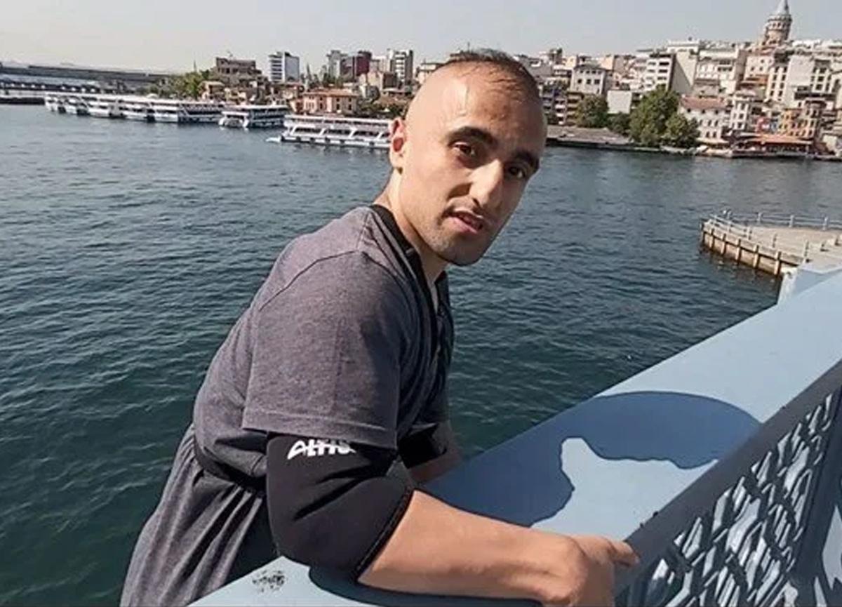 Galata Köprüsü'nden gemiye atlayan fenomen Yunus Emre Özer gözaltına alındı