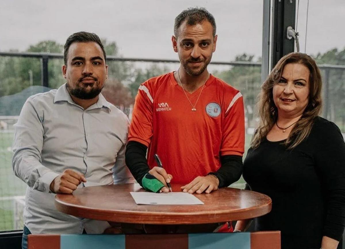 Erkan Kolçak Köstendil Hollanda'da Amsterdam Gençlerbirliği'ne transfer oldu