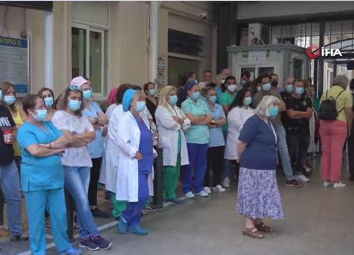 Yunanistan'da aşı olmayan yaklaşık 7 bin sağlık çalışanı görevden uzaklaştırıldı