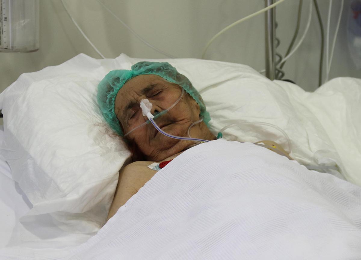Koronavirüse yakalanan 116 yaşındaki Ayşe Teyze yoğun bakımdan çıktı