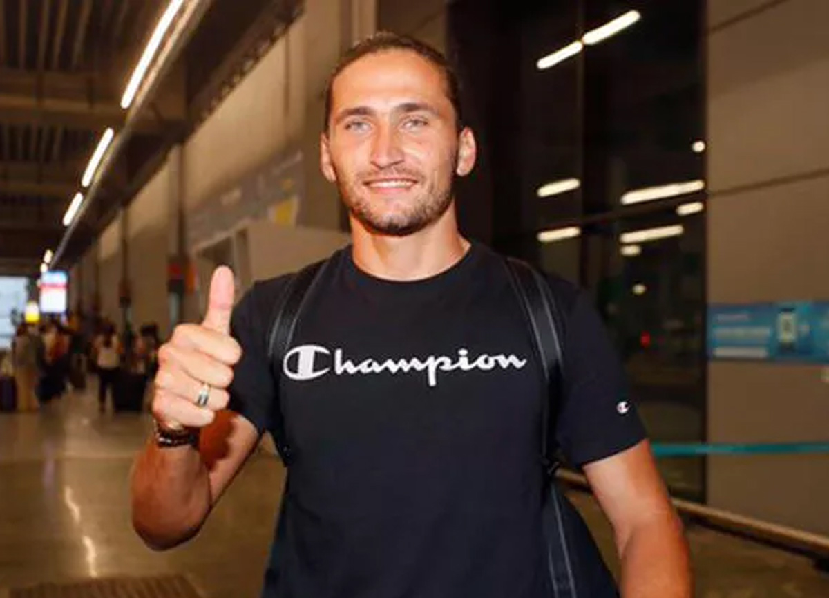 Fenerbahçe'den bomba üstüne bomba! Yeni transferi Miguel Crespo İstanbul'a geldi