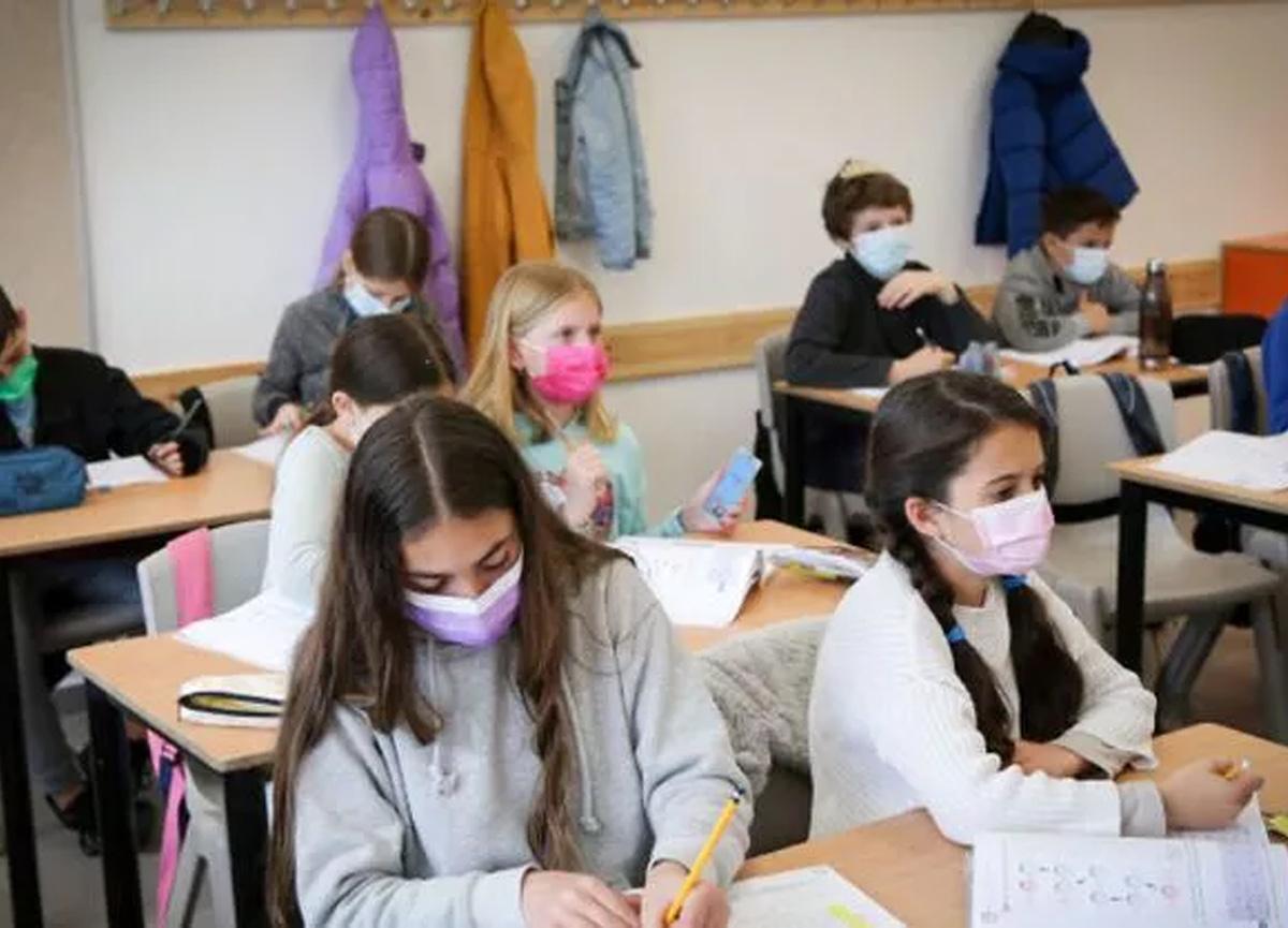 MEB'den flaş karar: Kovid-19 hastası ve temaslı öğrencilere mazeret izni