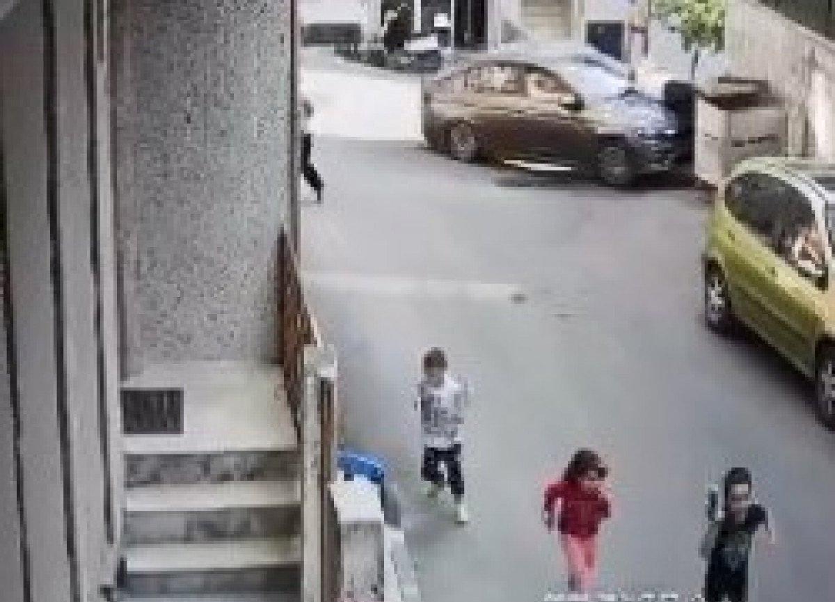Şişli'de çöp atan adama otomobil çarptı
