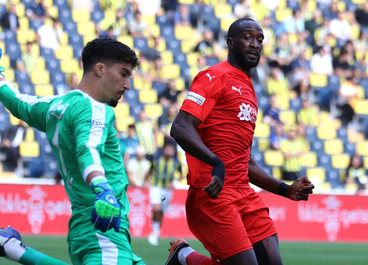 Fenerbahçe öne geçtiği maçta 1 puana razı oldu: Fenerbahçe 1-1 Sivasspor | MAÇ SONUCU