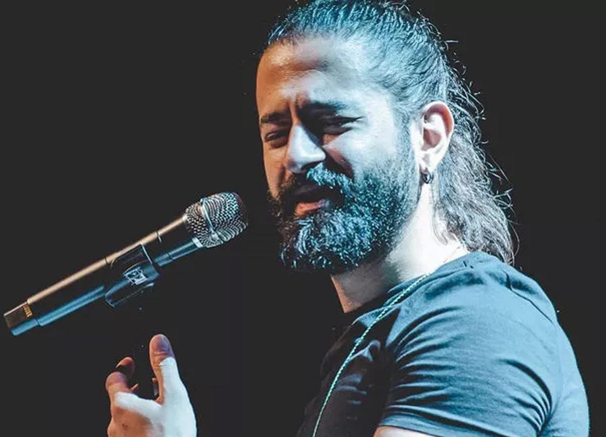 Ünlü şarkıcı Koray Avcı'nın babası hayatını kaybetti!