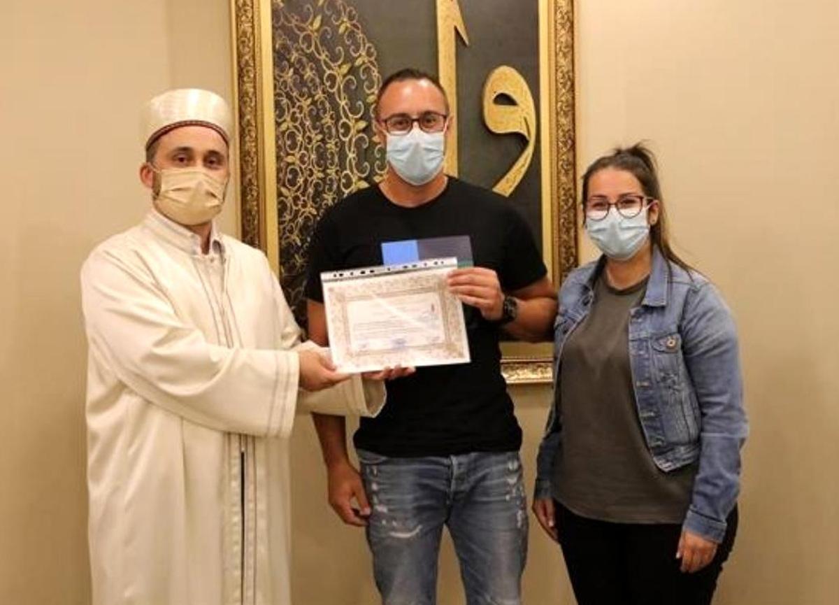 Alman vatandaşı Dennis, Kayseri'de törenle Müslüman oldu
