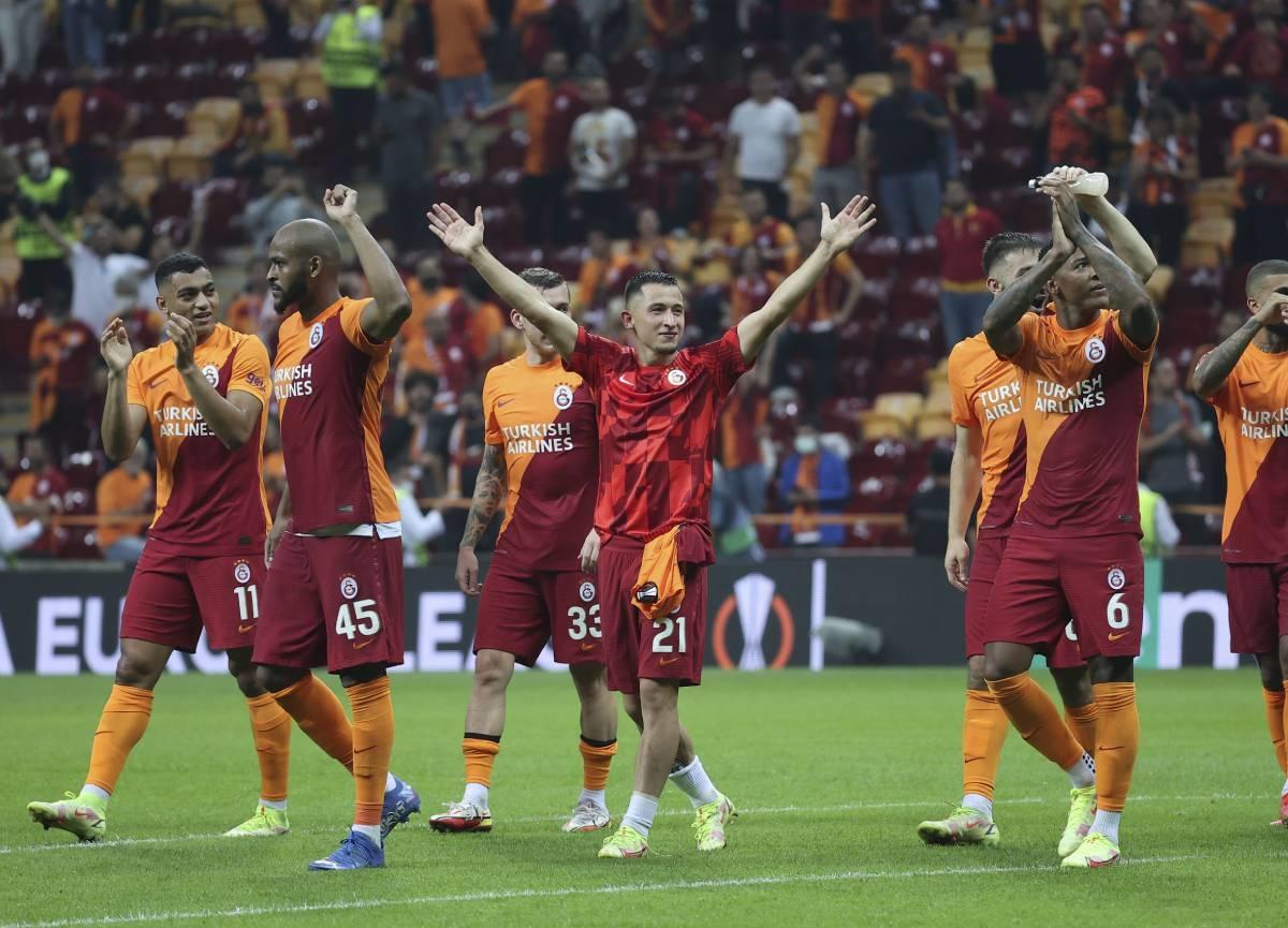 Galatasaray Avrupa Ligi'ne 3 puanla başladı: Galatasaray 1-0 Lazio MAÇ SONUCU