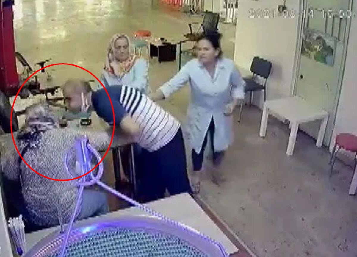 Şişli'de konuşmak için gelen eşini yüzüne tükürüp dövdü