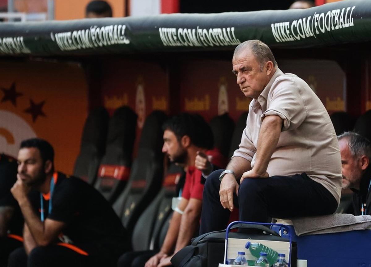 Galatasaray Teknik Direktörü Fatih Terim'den oyuncuları yuhlayan taraftara tepki