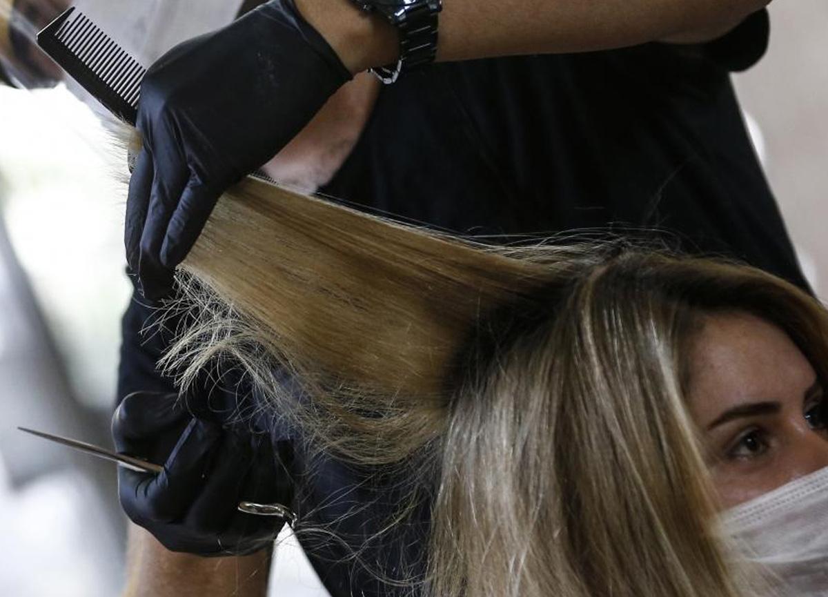 İstenildiği gibi saç kesmeyen kuaföre şok! 2.4 milyon TL tazminat ödeyecek