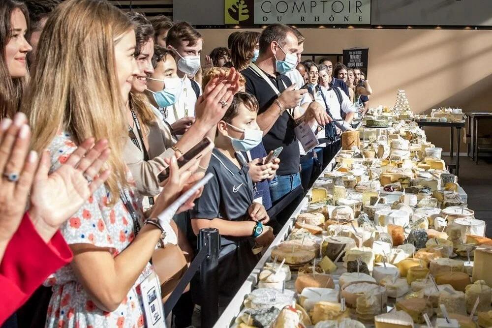 Fransız şef Guinness Rekorlar Kitabı'na girdi: Bin çeşit peynir aynı pizzada