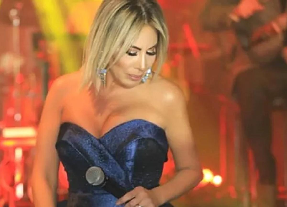 Şarkıcı Linet, bikinili pozlarını paylaştı!