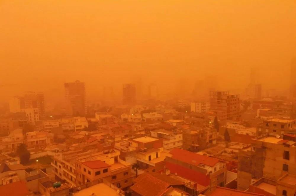 Brezilya'da kıyamet filmini aratmayan kum fırtınası: Binalar ortadan kayboldu