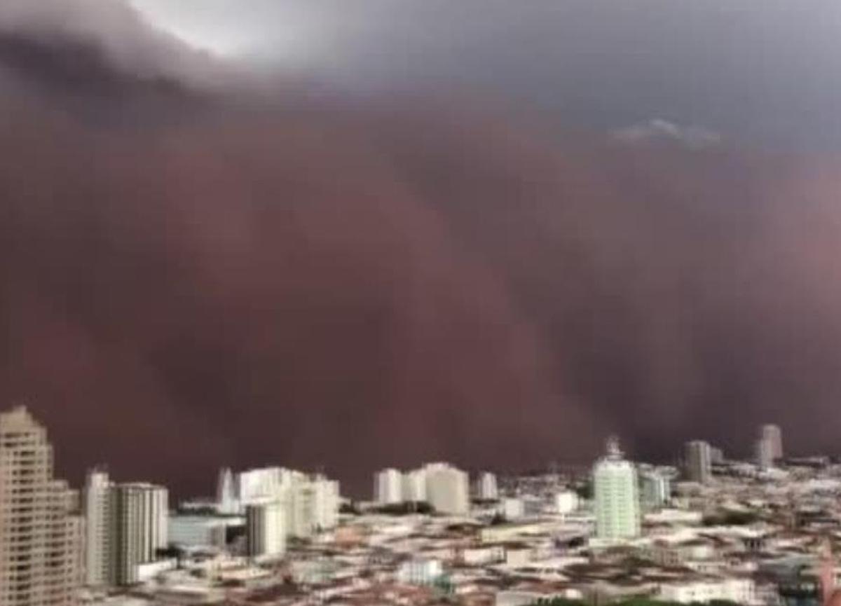 Brezilya'da kum fırtınası korku filmlerini aratmadı