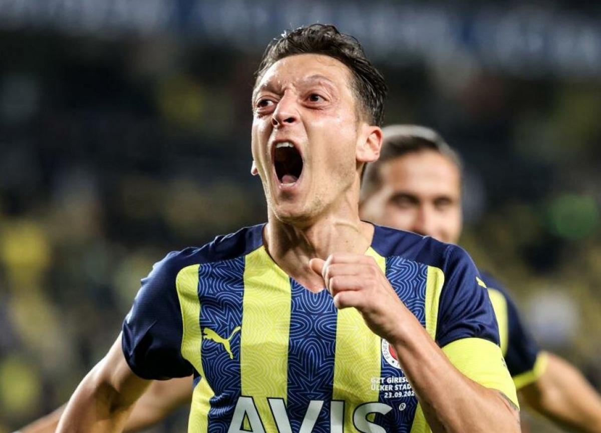 Fenerbahçe'nin yıldızı Mesut Özil, Olympiakos maçında yok