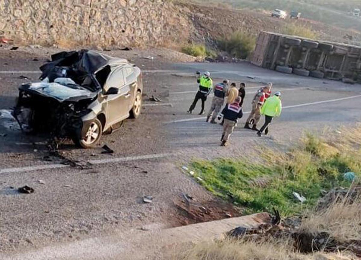 Kilis'te feci kaza! 4 ölü, 2 yaralı