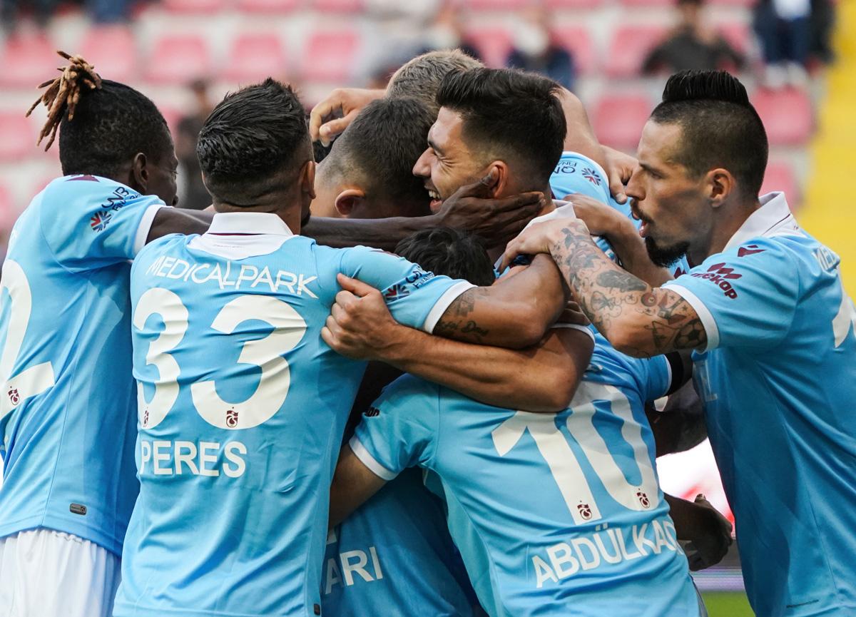 Trabzonspor Bakasetas'ın golleriyle Kayserispor'u 2-1 mağlup etti