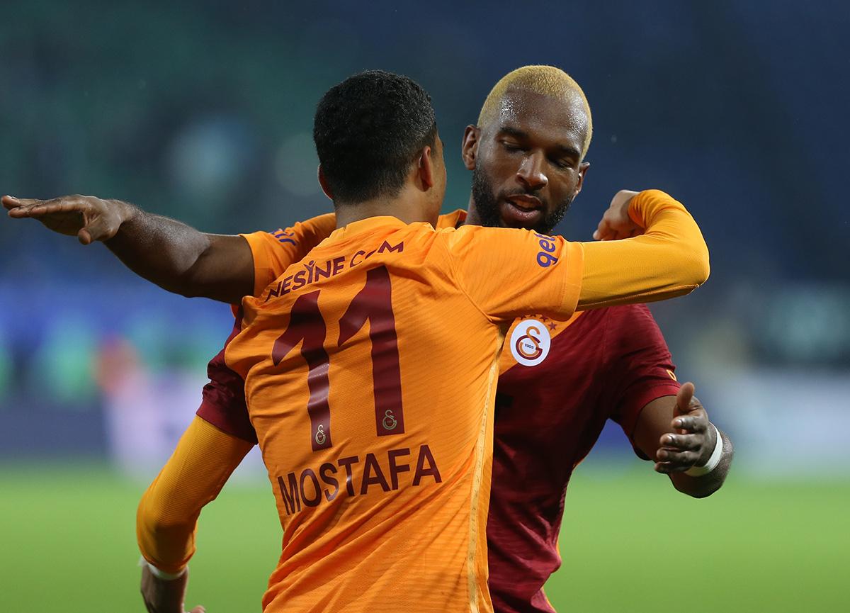 Galatasaray 3 puanı 90+11'de kazandı   Çaykur Rizespor 2-3 Galatasaray MAÇ SONUCU