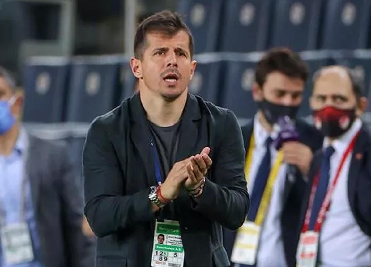 Son dakika: Emre Belözoğlu resmen Başakşehir'in yeni teknik direktörü oldu!
