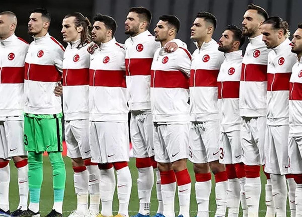 A Milli Takım'da değişiklik: Kenan Karaman'ın yerine Halil Dervişoğlu kadroya dahil oldu