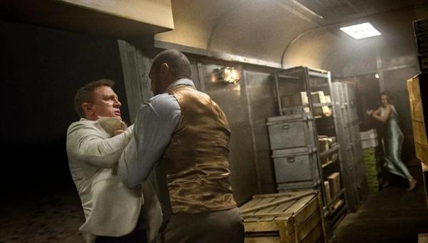 Daniel Craig'in sette burnunu kırdığı Dave Bautista: Bana sarıldı ve özür diledi