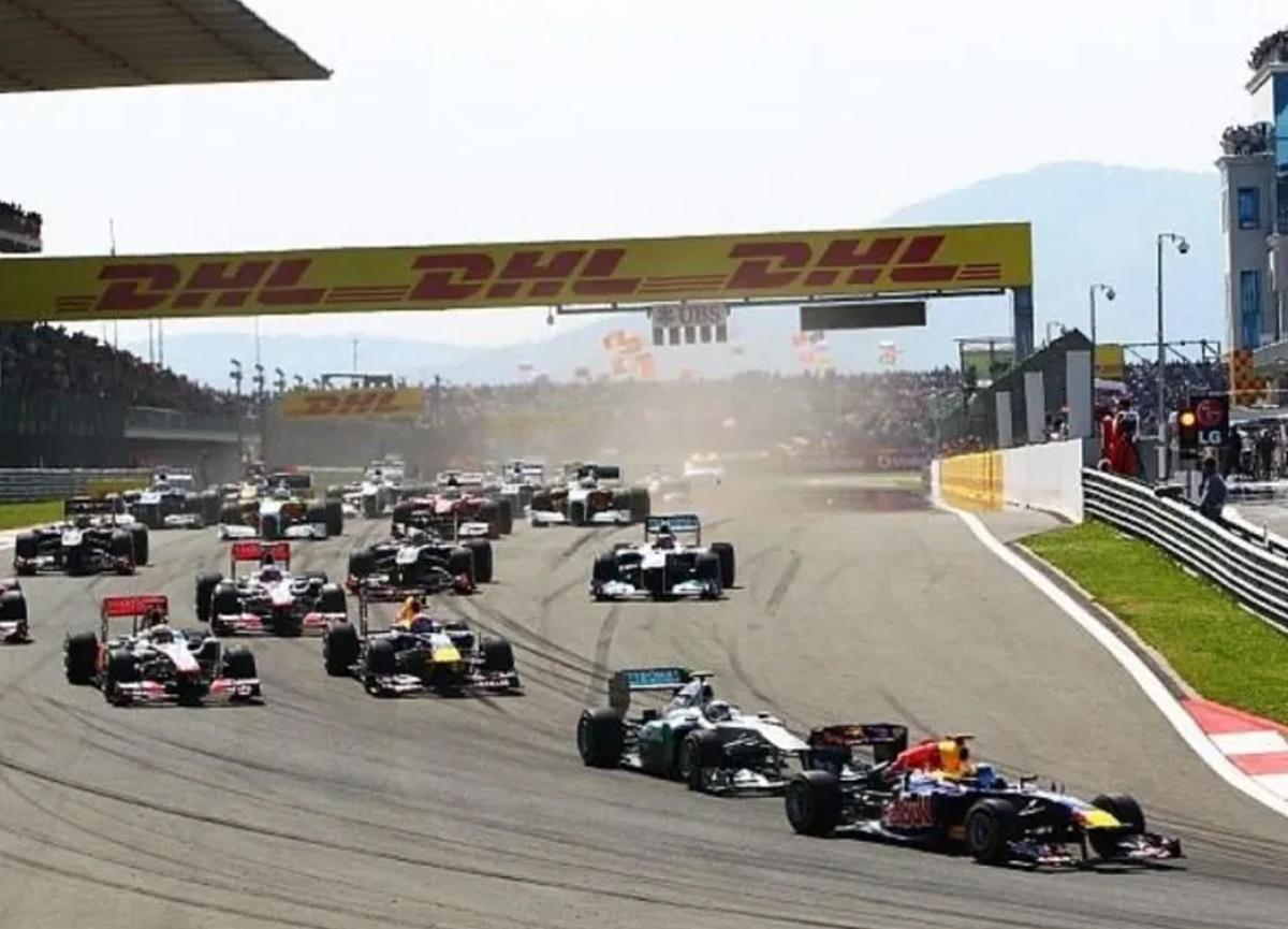 Ferrari, İstanbul Grand Prix'si için poster paylaştı