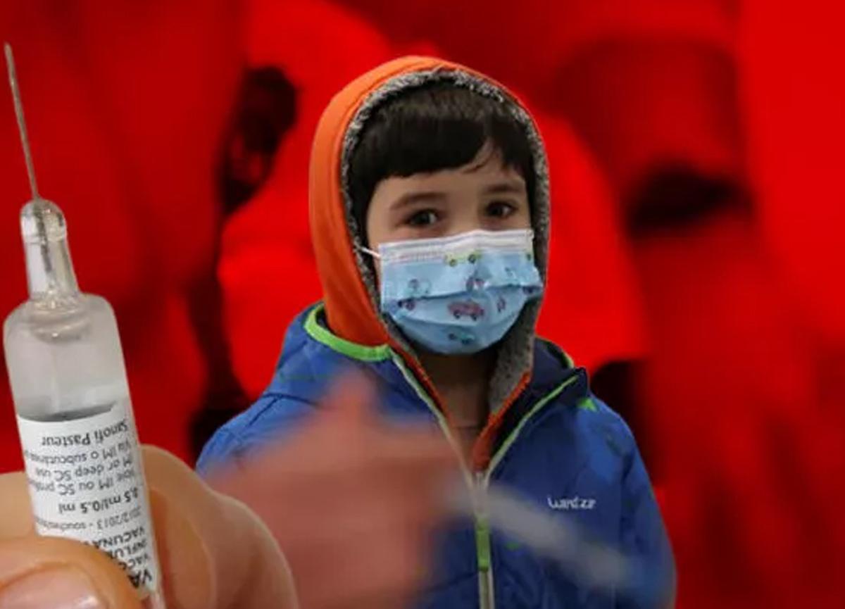 Çocuklar için yeni aşı stratejisi: Kız ve erkek çocuklarına farklı doz