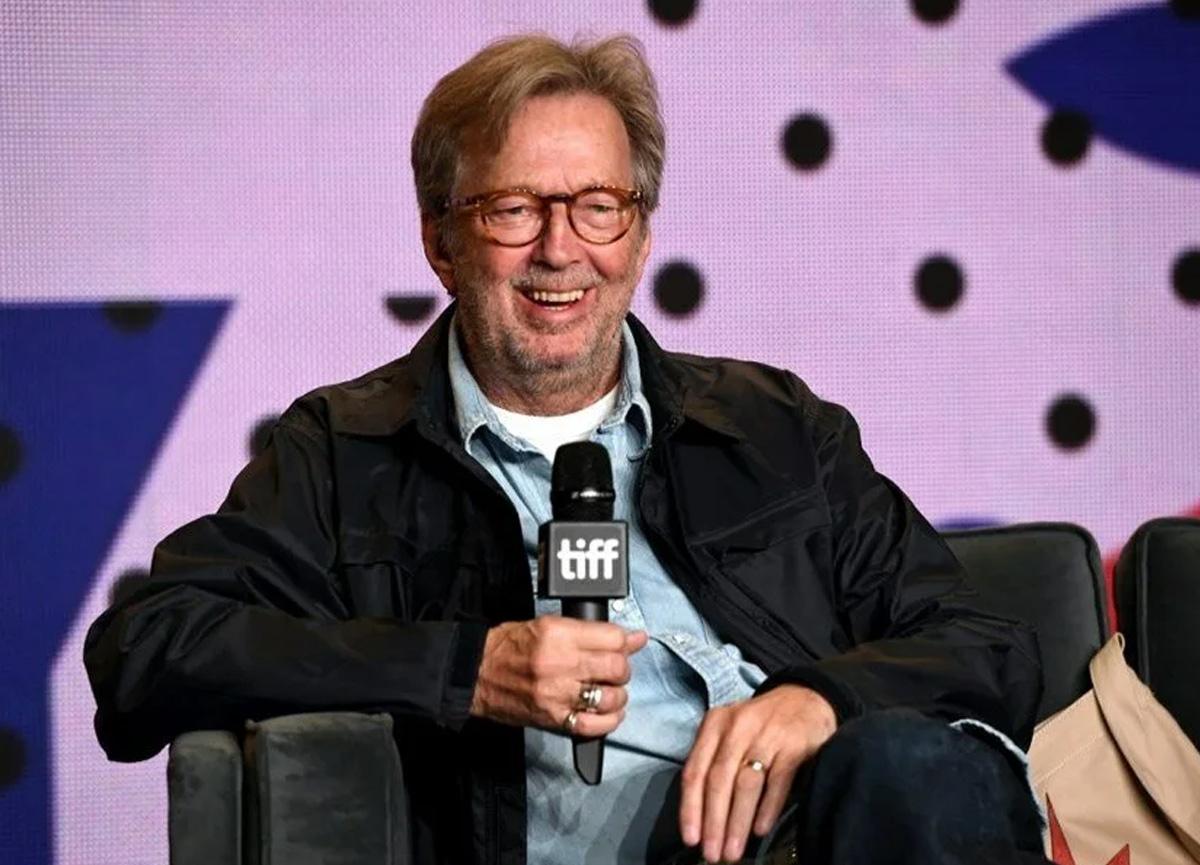 Ünlü sanatçı Eric Clapton, aşı karşıtı gruba bağış yaptı
